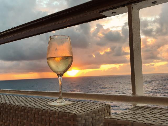 free alcohol on a cruise ship wine