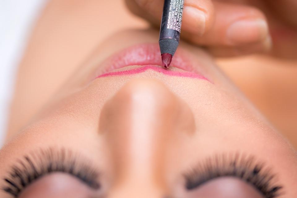 MAQUILLAJE| Los trucos para tapar las manchas de sol en la cara y la piel