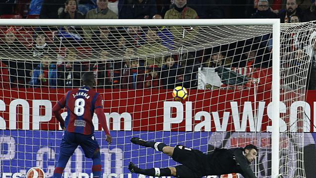 'El Levante UD vuelve a rehabilitarse lejos de Orriols' (0-0), por Dani Hermosilla