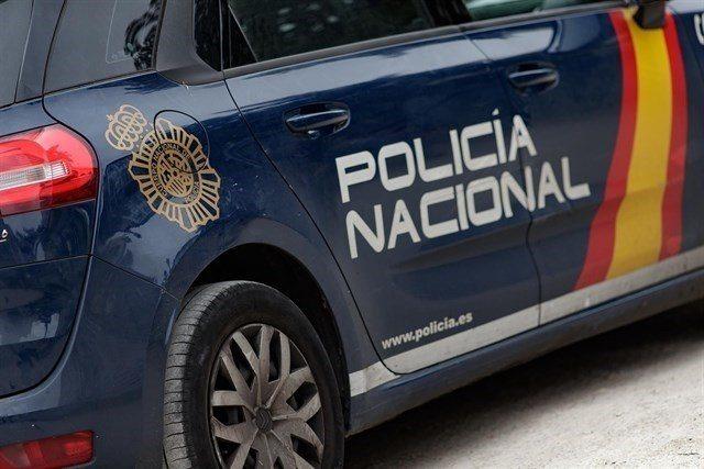 Detenidos tres hombres en València tras dar una paliza a un joven e intentar clavarle un cuchillo en el pecho