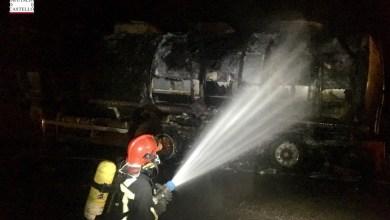 Cortada la AP-7 en Benicarló por el incendio de un camión que llevaba mercancías peligrosas