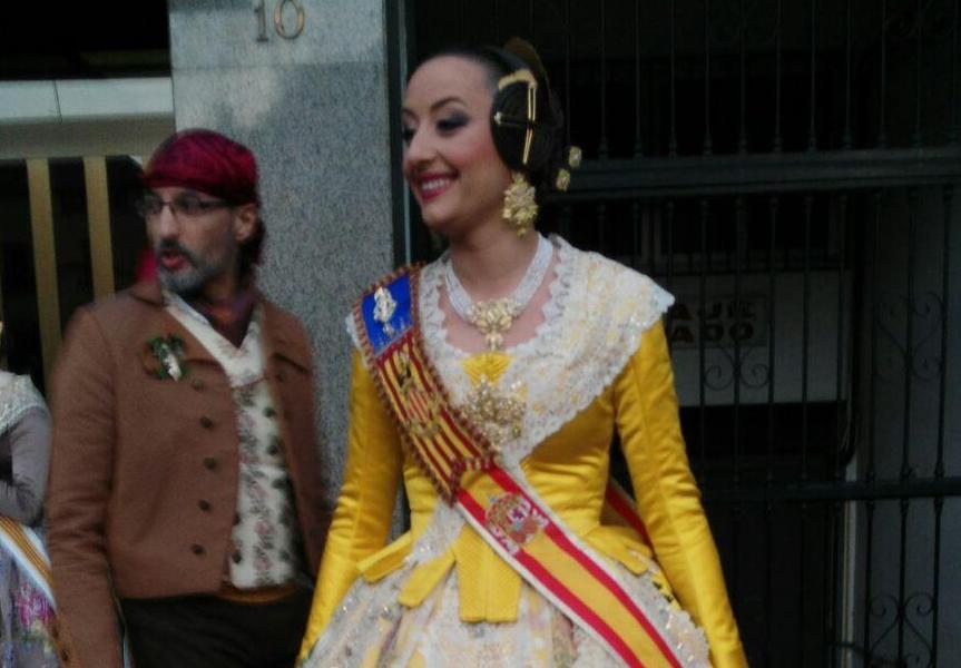 Rocío Gil apuesta por el 'amarillo antiguo' para la Crida 2018