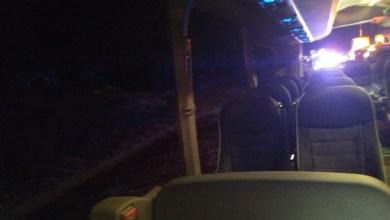 El accidente en Villargordo se registró al reventarle una rueda al camión y chocar por detrás el bus