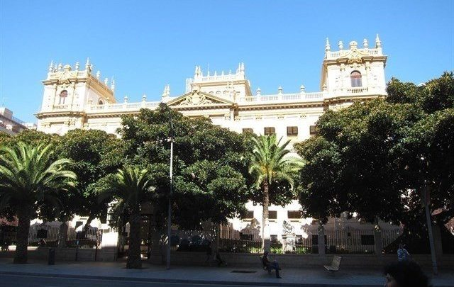 Un juzgado investiga presuntas irregularidades en contratos de la Diputación para Fitur en época de Ripoll