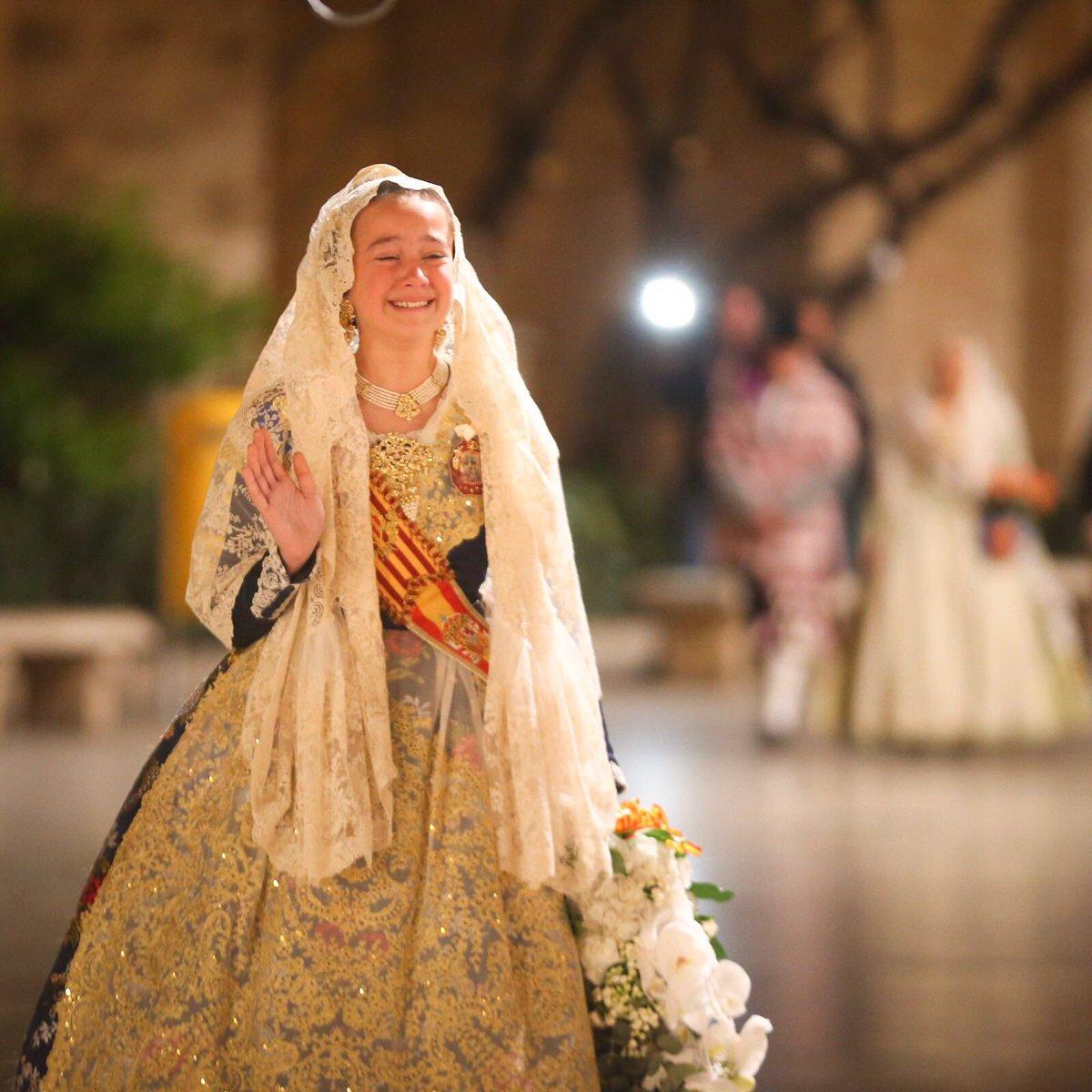 Una emocionada Daniela Gómez cierra la primera jornada de Ofrenda a la 'Mareta'