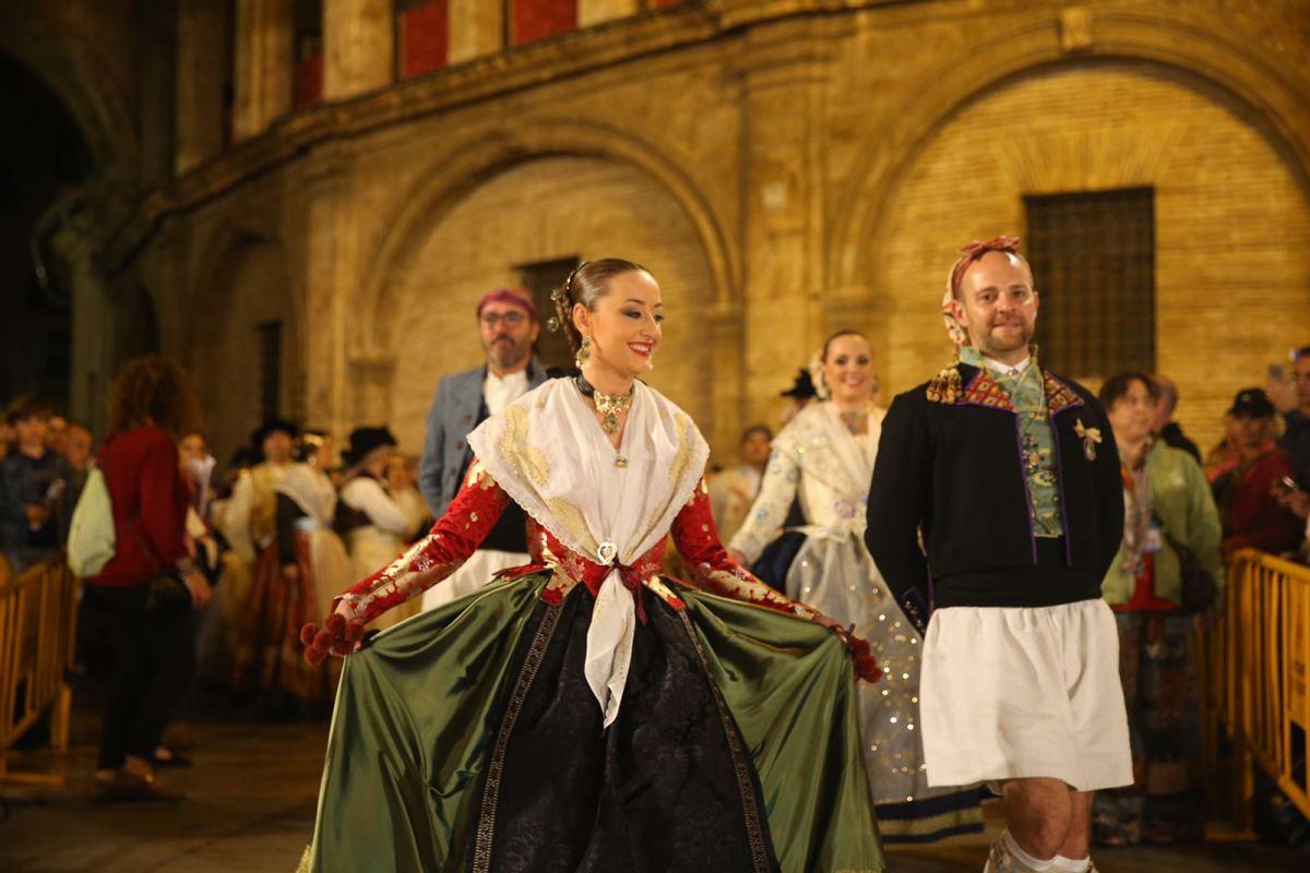 Las Falleras Mayores de Valencia, unidas por primera vez en una misma dansà