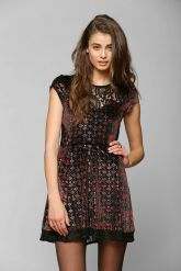 Urban Outfitters. Velvet & Lace Mix Dress.