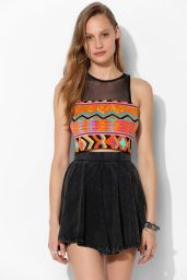 Urban Outfitters. http://www.urbanoutfitters.com/urban/catalog/productdetail.jsp?id=31370794&parentid=W_APP_CROPPED