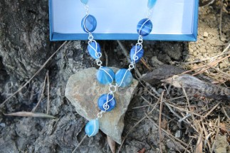 Collana agata blu e chiavi di violino d'argento