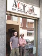 Antonio Fiscarelli con Davide Ravan, titolare della libreria AUT di Torino
