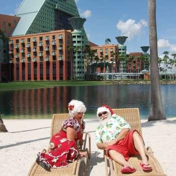 Santa & Mrs. Claus at the Swan & Dolphin