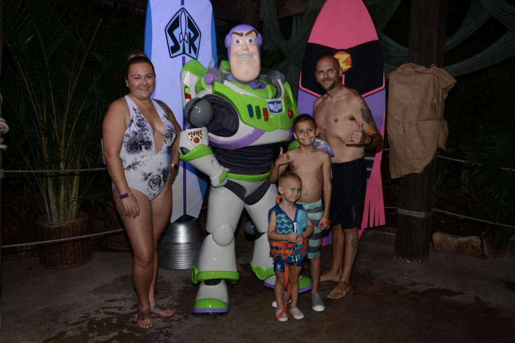 H20 Glow Nights At Typhoon Lagoon