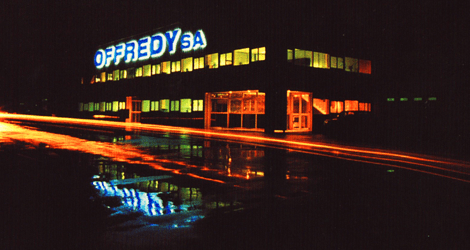 Offredy by night