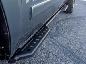 Chevy Silverado 1500/2500 Stealth Side Steps in Hammer Black