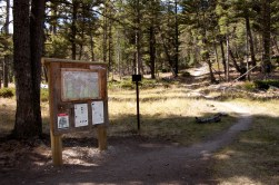 4-way junction on the trail. Turn left to go to the hoodoos, straight to go to Snow Pass, and right to go to the upper terrace of Mammoth Hot Springs