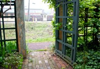 The doorway from the B&B garden to the towpath