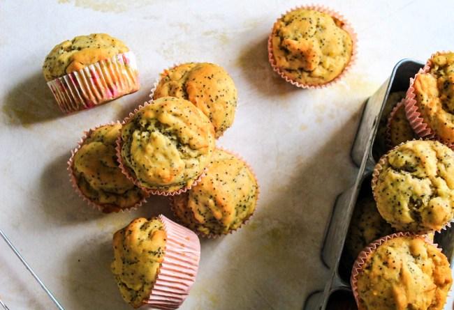 banana-poppyseed-muffins