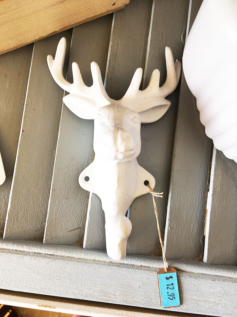 Want to create a unique place to hang your hat? Grab an antique cornice, throw on some metal hooks and you've got yourself a DIY wall mounted coat rack!