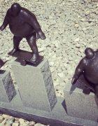 Escultura en Liechtenstein sobre el ridículo de competir