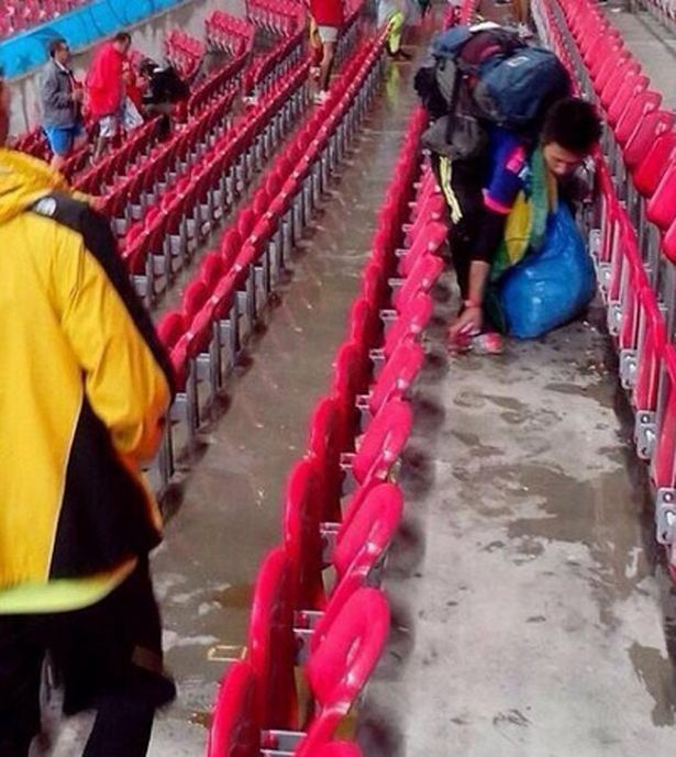 Japan-fans-at-the-Arena-Pernambuco (1)
