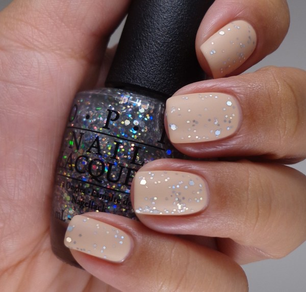 OPI Snowflakes In The Air Matte 2