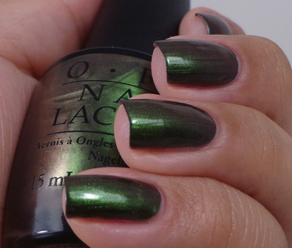 OPI Green On The Runway 4