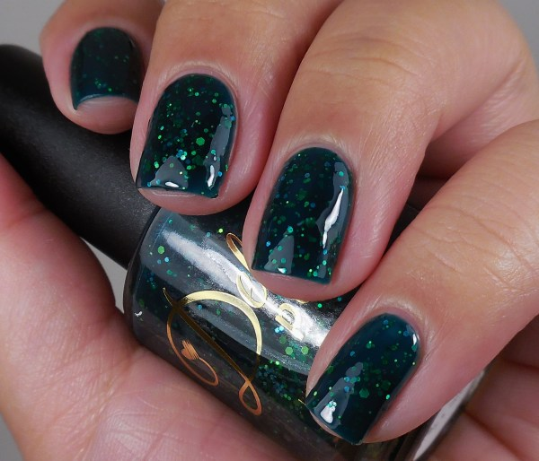 Delush Polish Green With Ivy 2