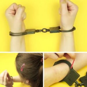 Start wearing hairpins. Use these to unlock handcuffs if you are held against your will. Please share with everyone!