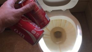 Pour coke into toilet. Does it work?