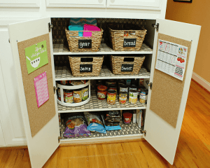 I like the idea of creating a snack station for the kids so that they can just grab and go! Repin for later!