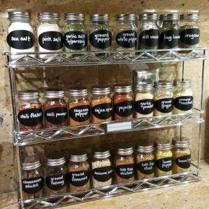 I love this diy spice rack organizer! Repin if you want this in your kitchen!