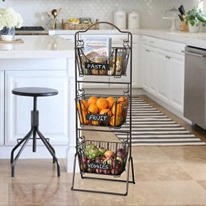 I love this fruit and vegetable stand for the kitchen. Repin if you want one in yours!