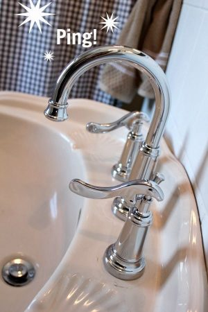 After cleaning your faucets, rub them with wax paper. This will keep them shiny and sparkling for days! Repin for later!