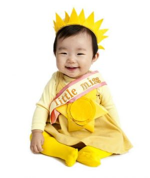 Little Miss Sunshine halloween costume. Love this! Repinning for later.  sc 1 st  Of Life + Lisa & 19 Seriously Clever DIY Halloween Costumes for Babies Youu0027ll Love ...