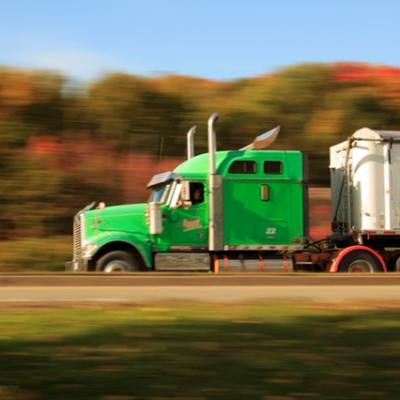 5 Need to Know Long-Distance Driving Tips for New Truck Drivers