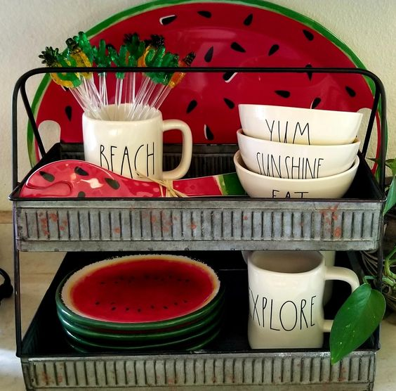 very cute tiered tray! #watermelon