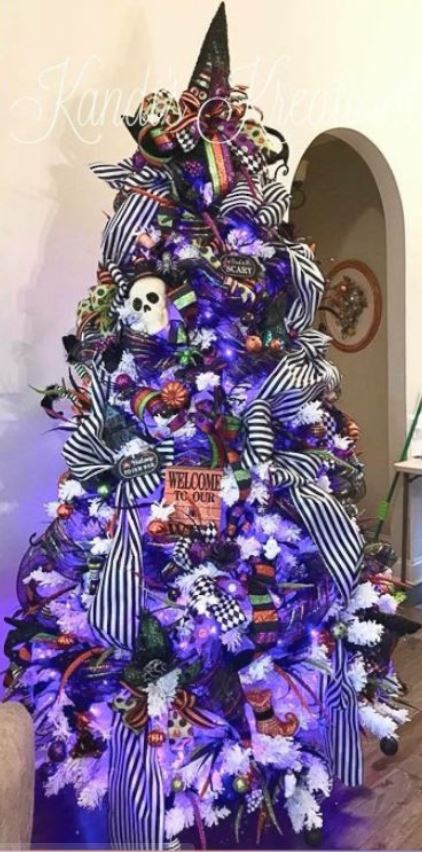 NIGHTMARE BEFORE CHRISTMAS HALLOWEEN TREE - 18 Best Halloween Christmas Tree Decorating Ideas for 2019
