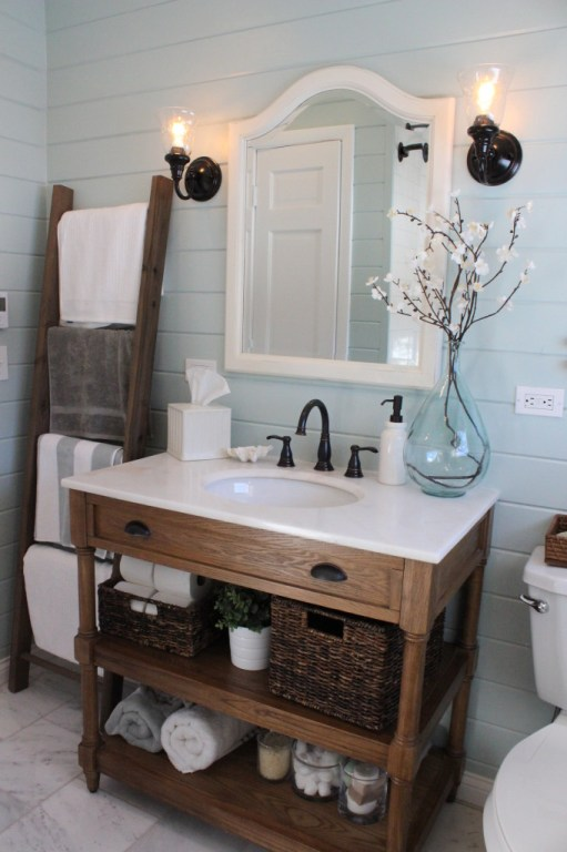 rustic farmhouse bathroom idea - 18 Cheap and Easy DIY Rustic Farmhouse Home Decor Ideas