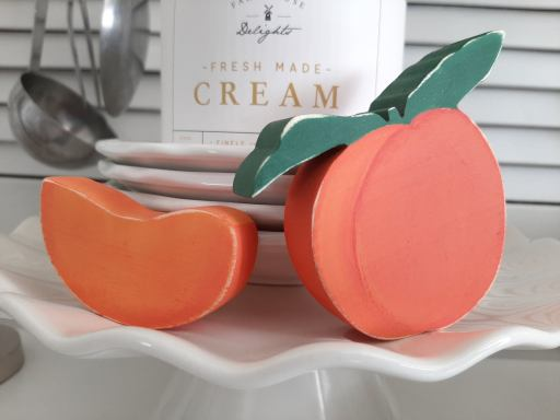 Wooden peach and peach slice set