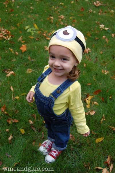She's ADORABLE! | DIY Despicable Me Minions Halloween Costume Idea for Toddlers