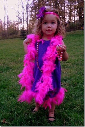 She's SO ADORABLE! OMG| DIY Flapper Halloween Costume for Girl Toddlers