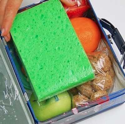 Make your own space-saving leak-proof ice pack. Just tuck a wet sponge into a ziploc bag and pop it into the freezer overnight.   Toddler Parenting Hacks