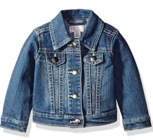 I LOVE this denim jacket for toddler girls! | Toddler Girl Fall Wardrobe Staples