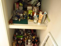Utilization of space: Storage ideas for makeup, jewelry ...