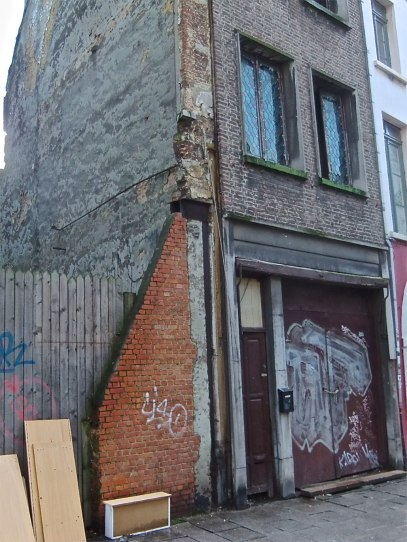The consequences of various crises are highly visible. Some of the prominent buildings are being restored and maintained with money from the European Union, while other, more humble ones are abandoned or have disappeared completely.