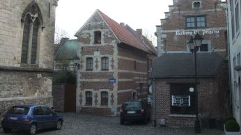 A corner in the extensive Béguinage of Tongeren with a hostel for the pilgrim.