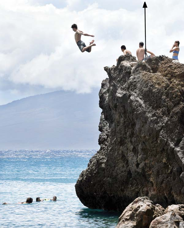 Black Rock Cliff Jumping : black, cliff, jumping, Economist, Suggests, Rethink,, Managing, Overtourism, News,, Sports,