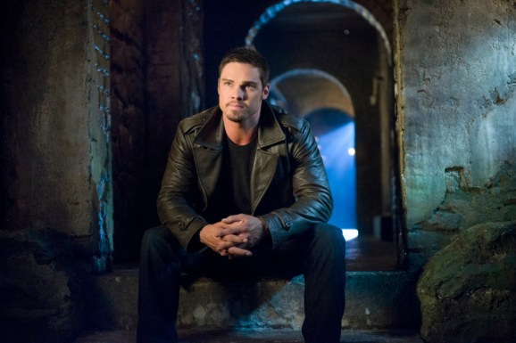 """Beauty and the Beast -- """"Catch Me If You Can"""" -- Image Number BB215a_0085 Ð Pictured: Jay Ryan as Vincent Ñ Photo: Christos Kalohoridis/The CW -- © 2014 The CW Network, LLC. All rights reserved."""