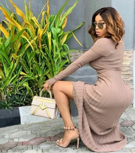 TOKE MAKINWA LOOKING EXQUISITE IN THIS PICTURE