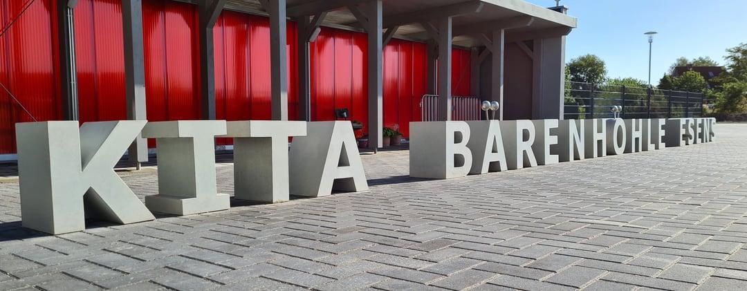 Betonbuchstaben für die Kita Bärenhöhle Esens, Ostfriesland